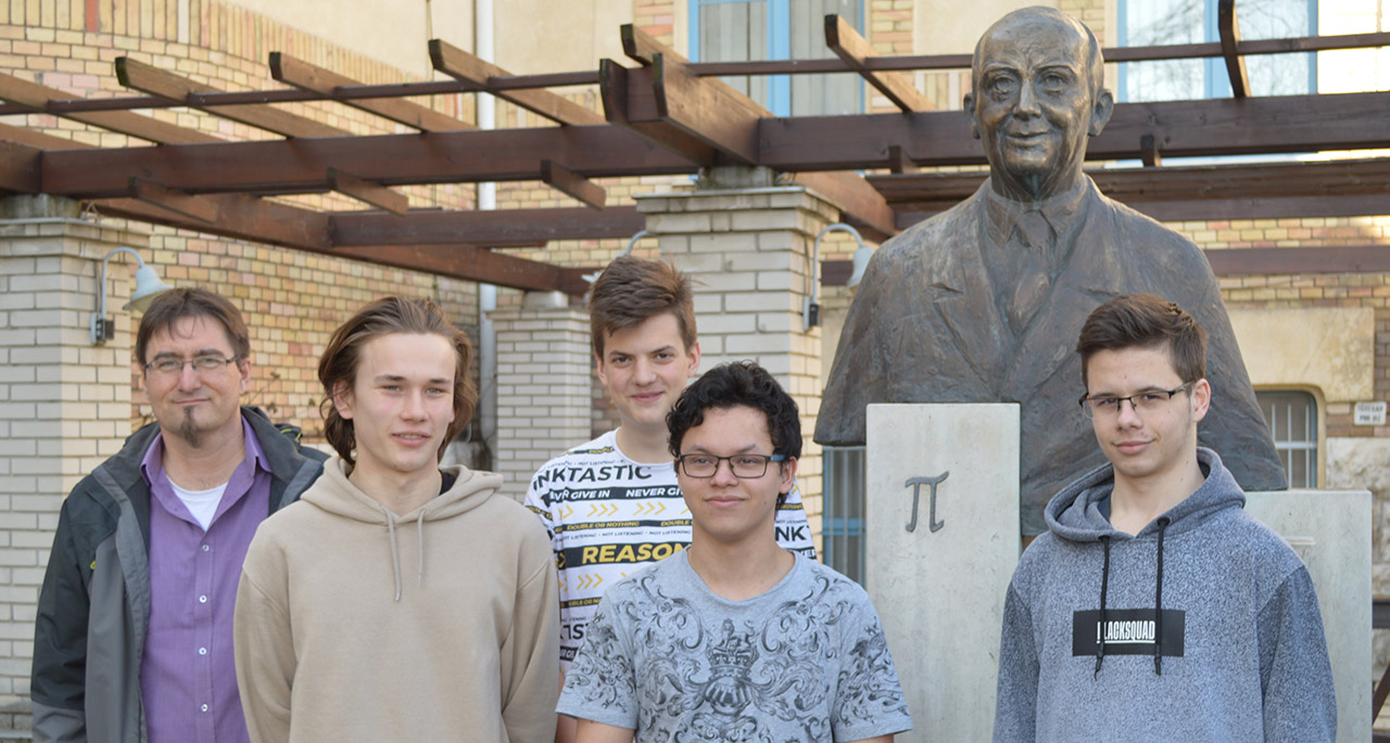http://www.puskas.hu/100/images/bolyai2020pa.jpg